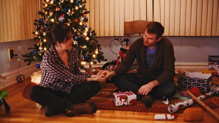 happy-christmas-melanie-lynskey-joe-swanberg
